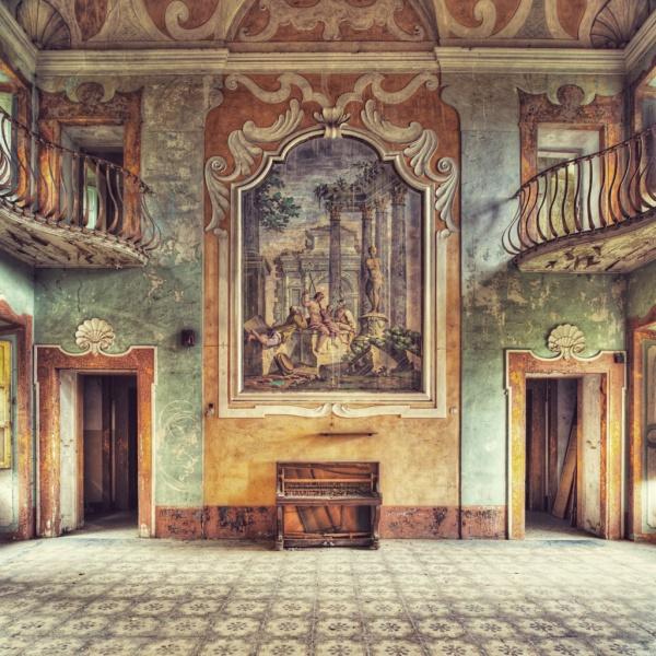 Villa - From the series Decadenza